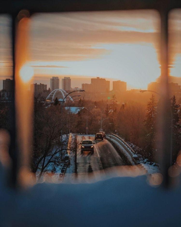 Edmonton sunset - yeg, goldenhour - janellem | ello