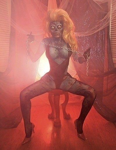 nsfw, zombie - lovetohaterilez   ello