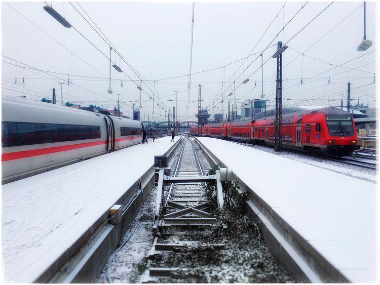 Interrailling, winter edition s - christofkessemeier | ello