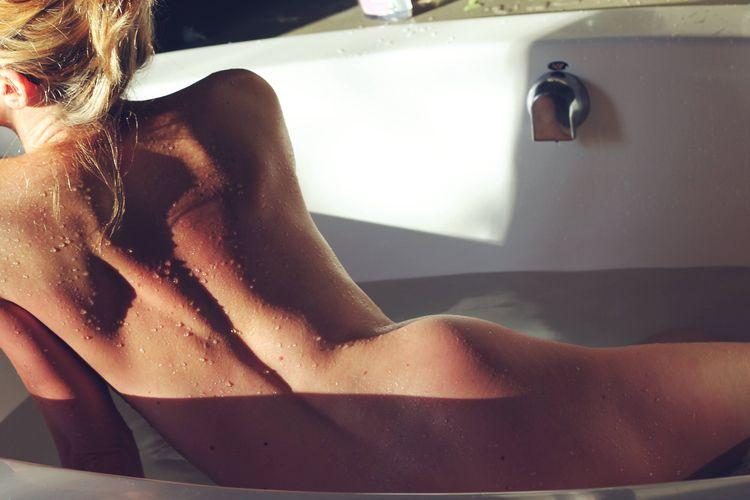 nude, erotica, literature, NSFW - verycuriouswife | ello