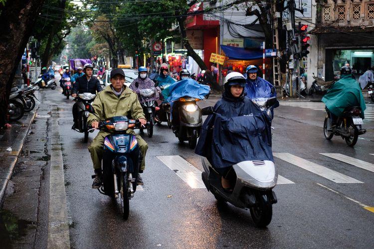 Vietnam - hanoi, vietnam, bikes - realstephenwhite | ello