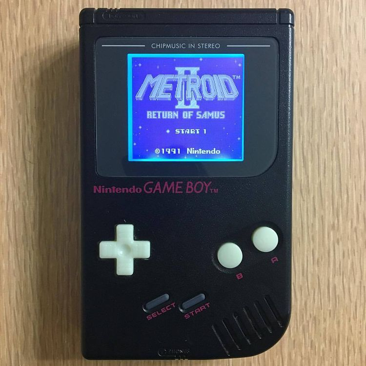 lit Original Gameboy Metroid 2 - aaronkraten | ello