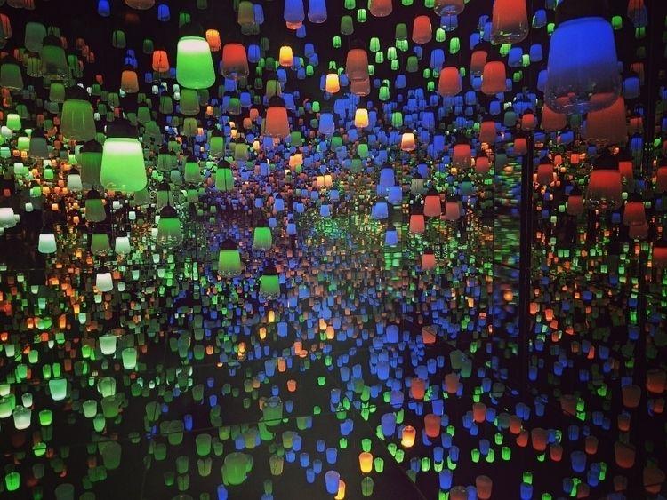 lanterns...  - tokyo, odaiba, teamlab - fokality | ello