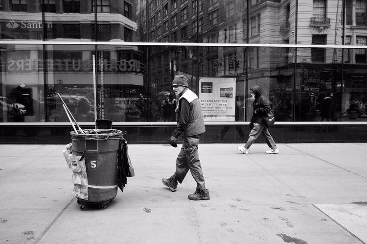 Ultimate Cash - streetphotography - shootnewyorkcity | ello