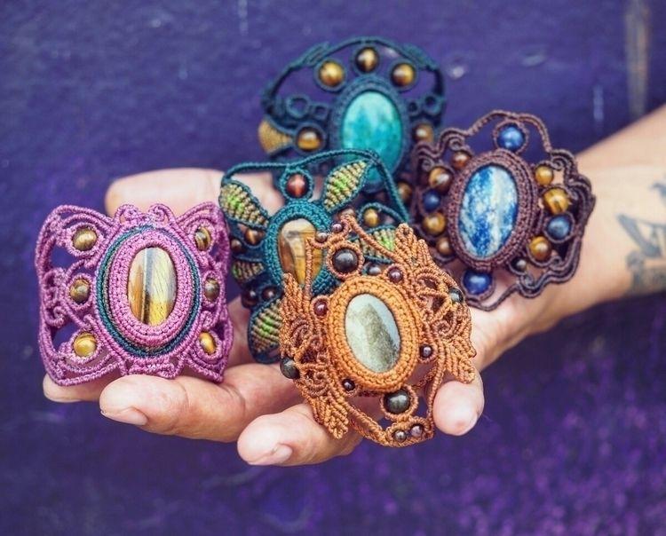 Handwoven macrame bracelets  - itayaarte - itayaarte | ello