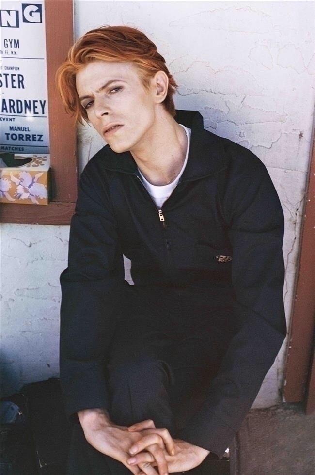:zap:️ ...David Bowie set Man F - karinechaneyin | ello