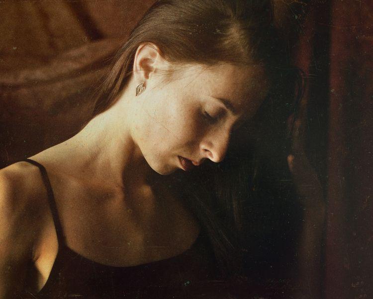 Portraits - girl, monochrome, vintage - kirillpanfilov | ello