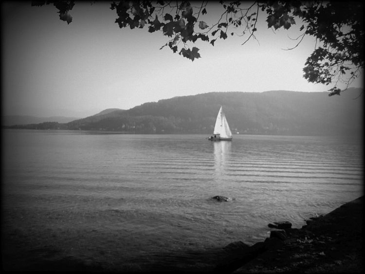Lonely autumn sailing Wörtherse - fkopr | ello