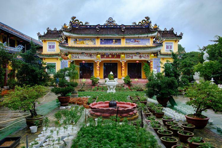 Chùa Pháp Bảo - architecture, buddhist - realstephenwhite | ello