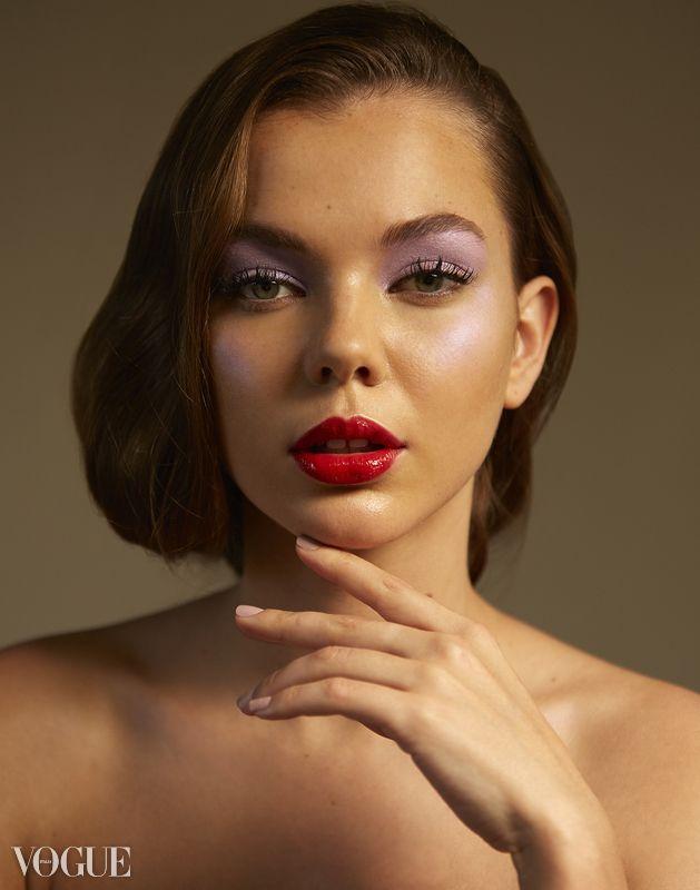 Youth Beauty photographed Adria - adriannafavero | ello