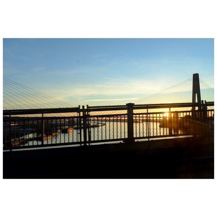 dusk, sunset, fujifilm, bridge - chenobi | ello