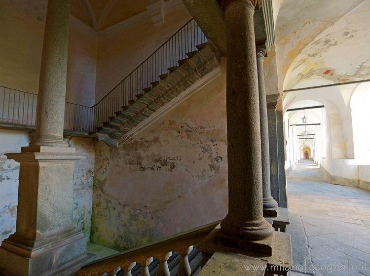 ( ): Staircase loggiato upper c - milanofotografo | ello
