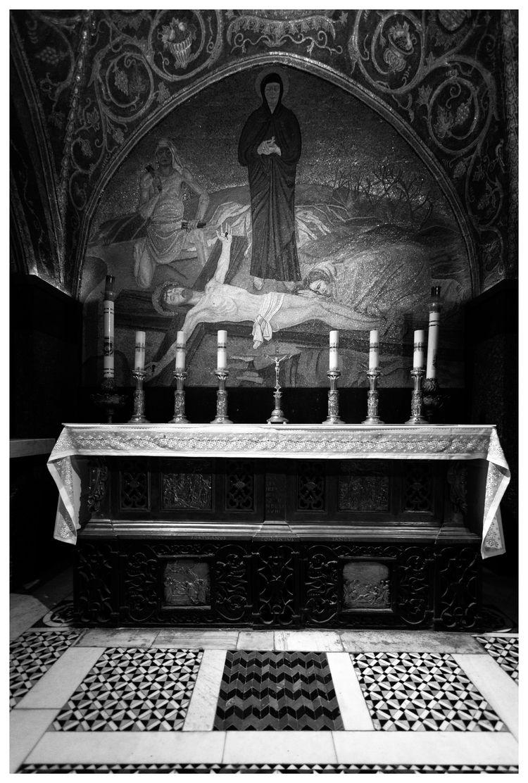 Crucifixion; Basilica Holy Sepu - souff | ello