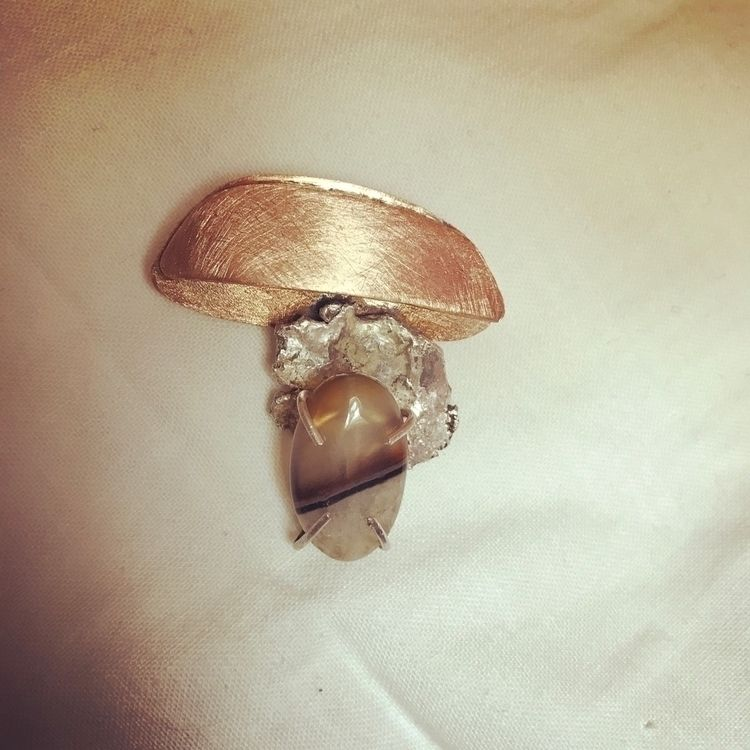 Brooch. Bronze, silver agate - gioielleriacontemporanea - mariaelen | ello