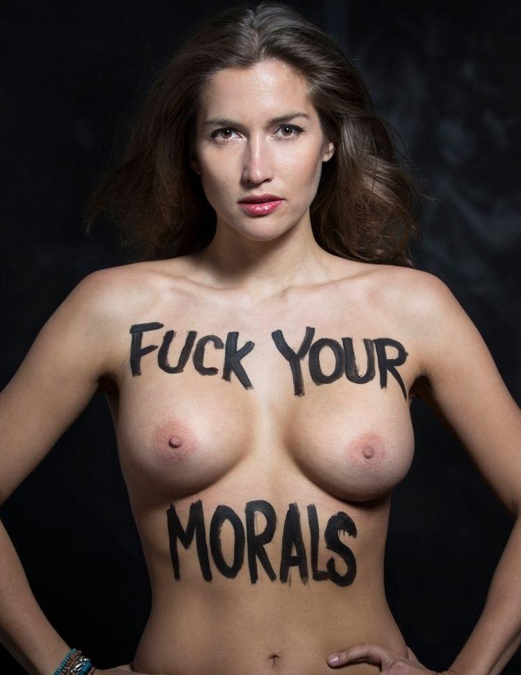 Reka Nyari, Fuck morals,  - romporn   ello