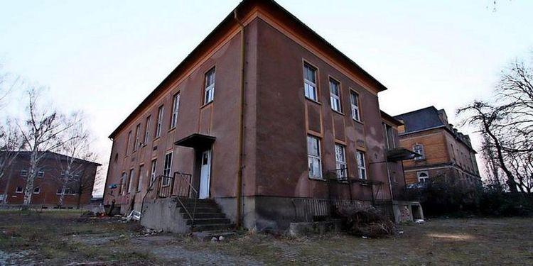 Lokales: Alternative Hausprojek - rm16   ello