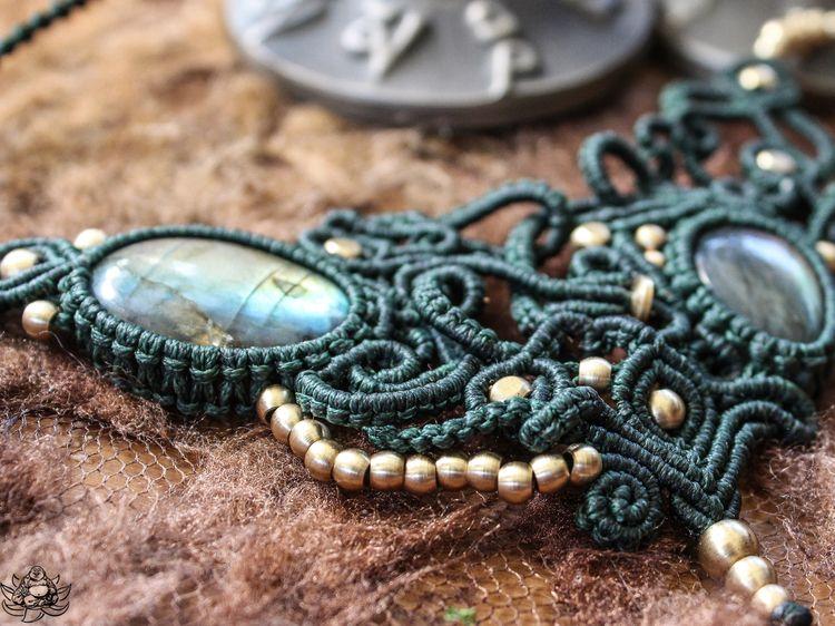 kind macrame necklace Labradori - laughingbuddhaart | ello