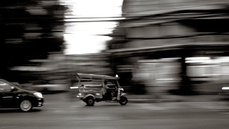 bangkok, taxi, blackandwhite - tsion-chudnovsky | ello