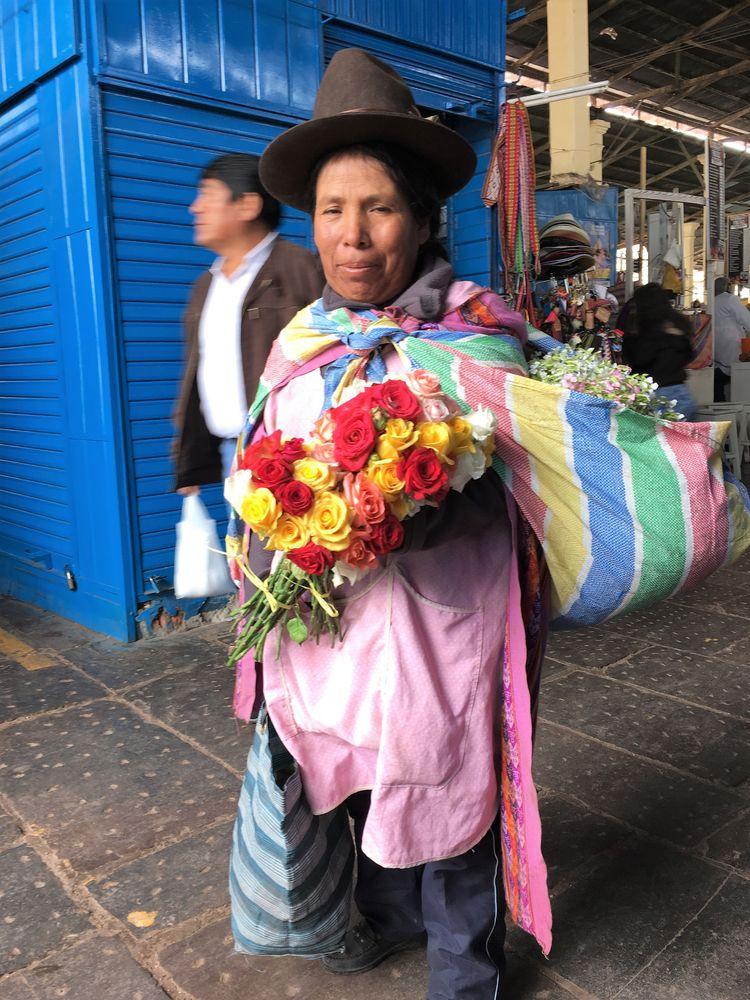 Woman San Pedro Market, Cusco P - hatun | ello