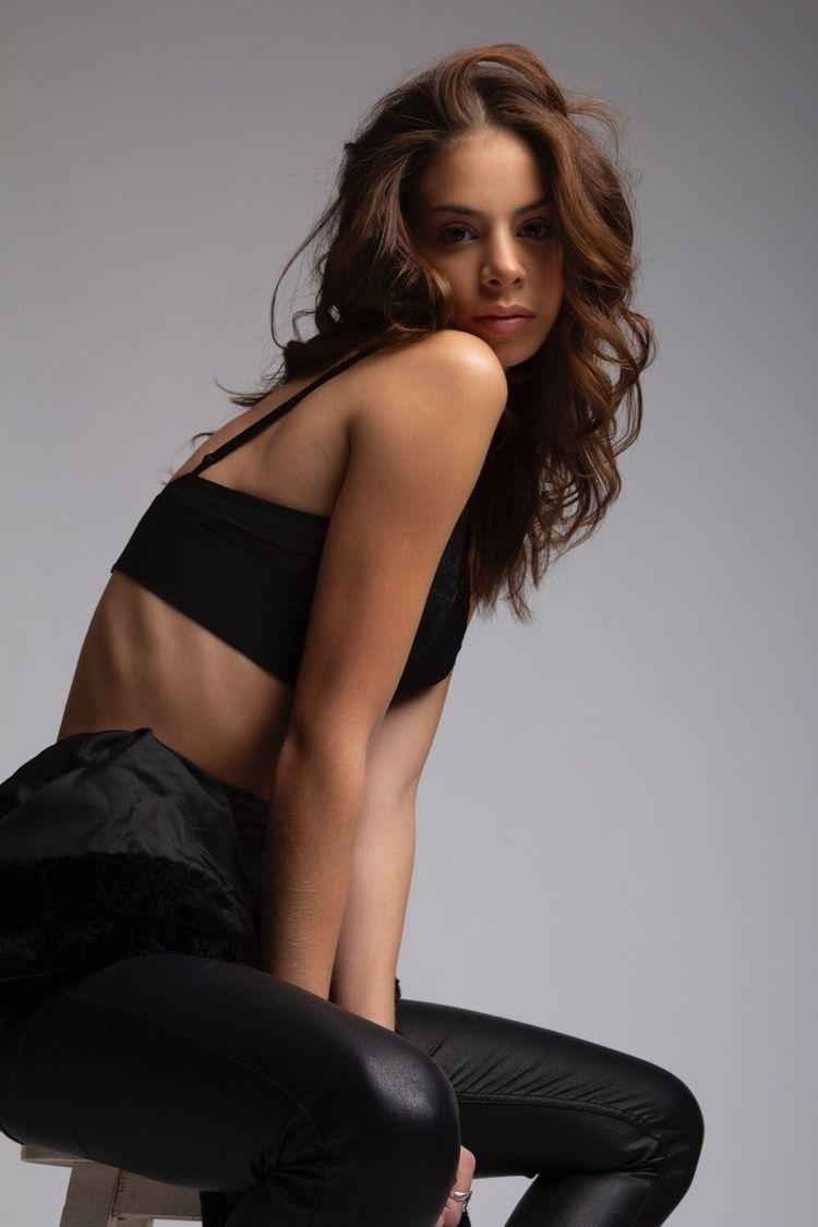 Virginia Sinai Paragon Model Ma - mario_morales | ello