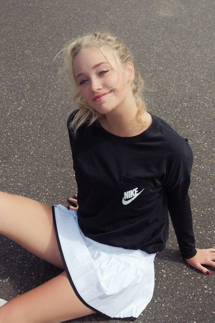 Sakia - Nike Amsterdam, Netherl - weseewaves | ello