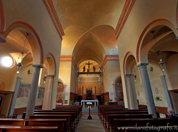 (#Biella, Interior San Pietro.  - milanofotografo | ello