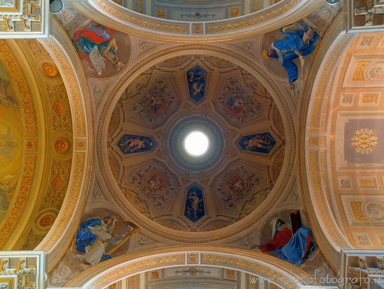 (#Italy): Interior Lady Mercy.  - milanofotografo | ello