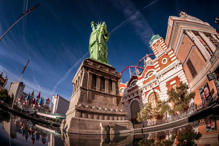 Las Vegas Liberty replica Statu - 75centralphotography | ello