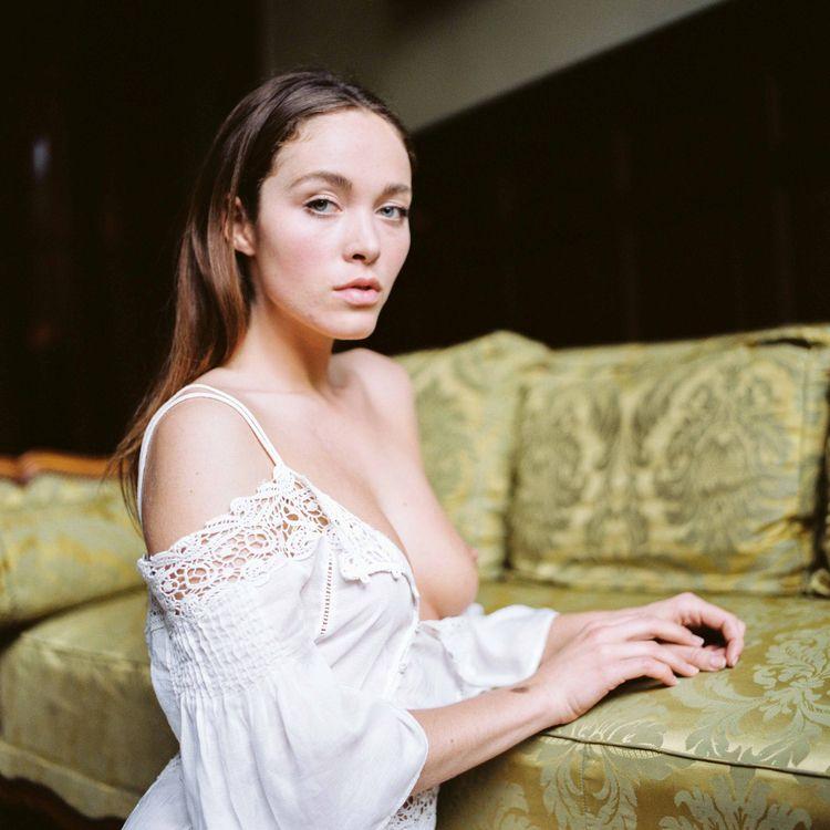 Model: VIKRA - Viktoria Yarovay - jyvesd   ello