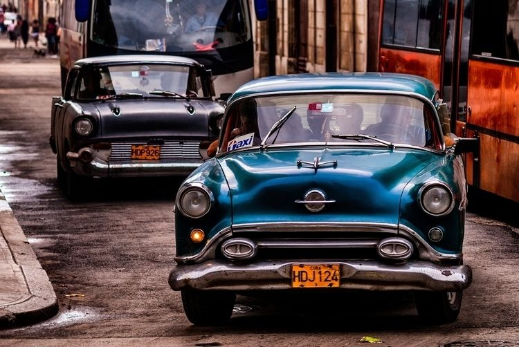 Taxi Drivers - Habana, Cuba - christofkessemeier | ello
