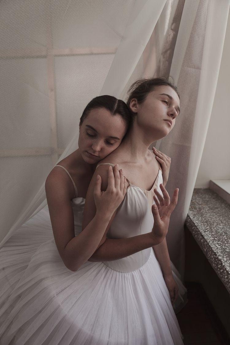 life models: Anna Donskaya Vera - zokinatif | ello