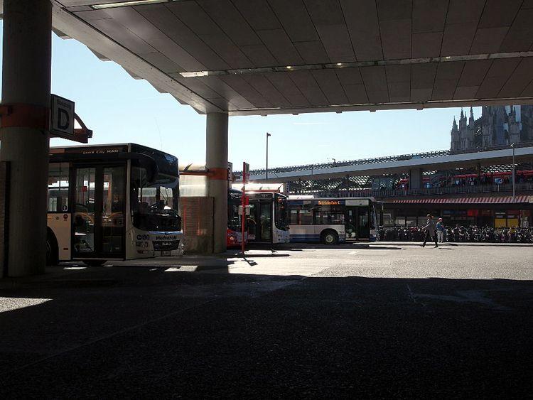 ZOB Köln – Busse Kamera: PENTAX - walter_ac | ello