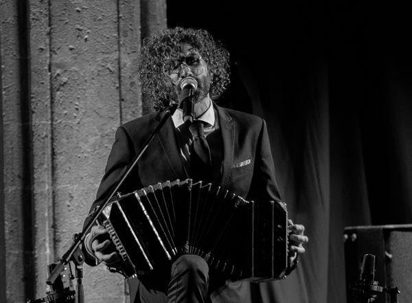 Pablo Ahmad su TANGO/ROCK - NocheDePrimavera - kenneyrha | ello