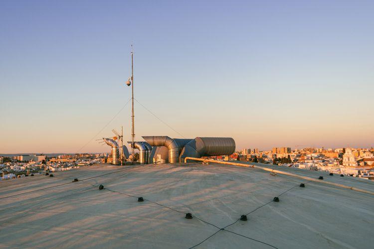 Watching rooftops, Seville (201 - markerwrisberg | ello