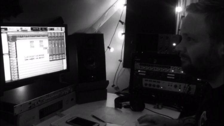 mixing hear drums 🥁, guitar :gu - disciplinetheory   ello