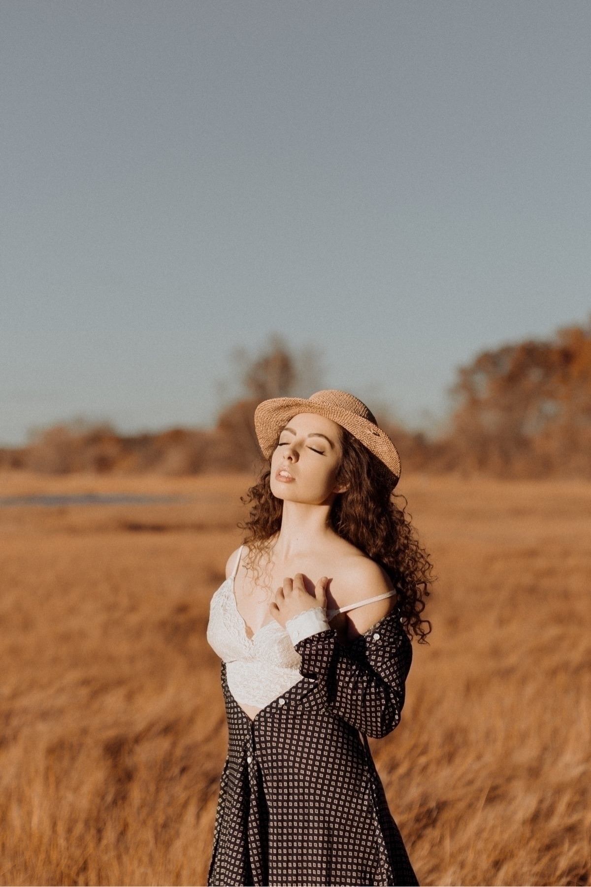model / patreon - sydneysheaphotography - sydneyshea | ello
