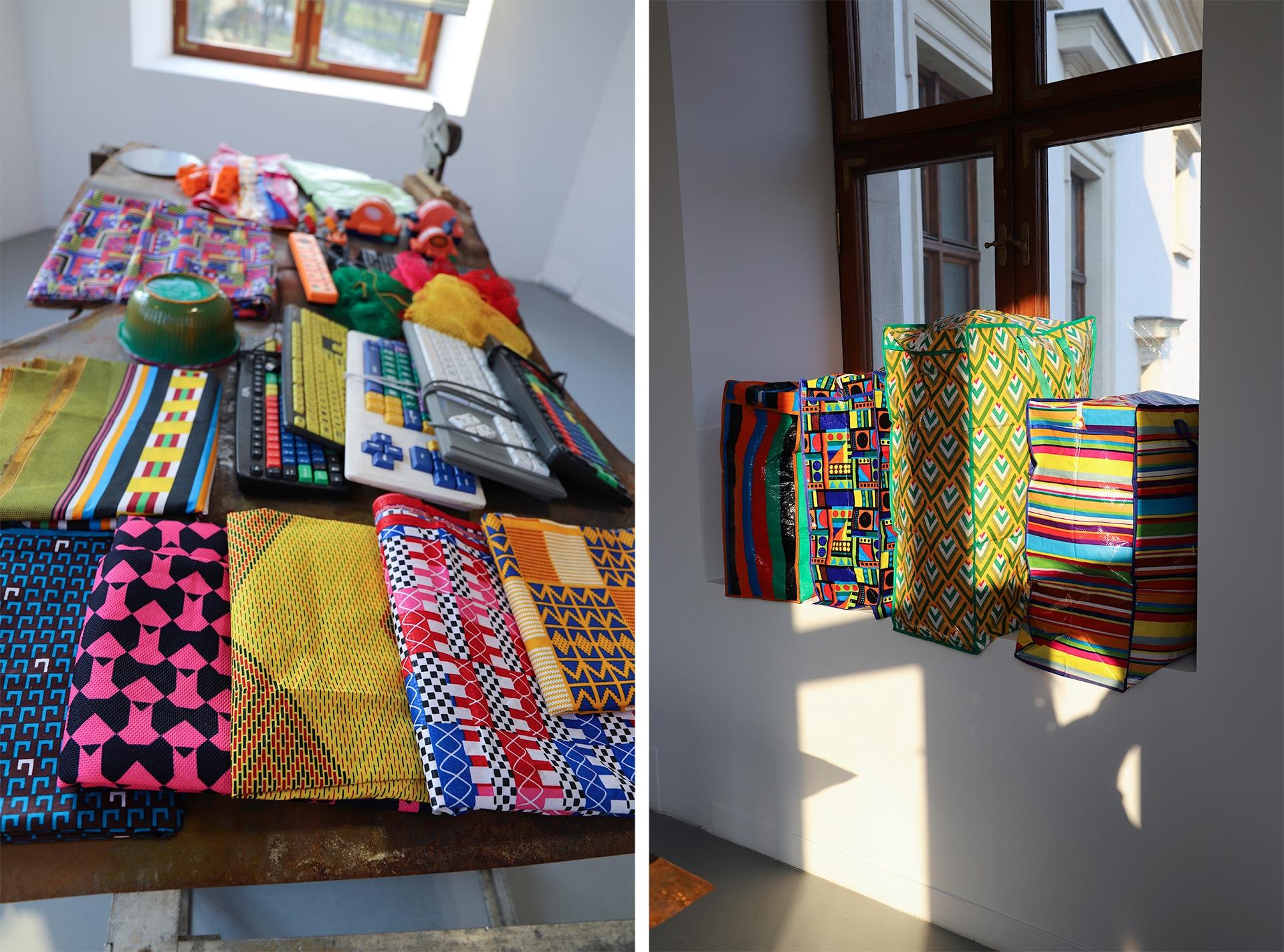 Obraz przedstawia dwa zdjęcia kolorowych przedmiotów leżących na stole lub na parapecie okna.