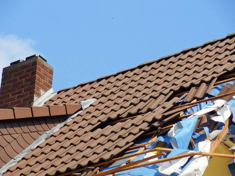 case suffered roof damage, file - davidlow | ello