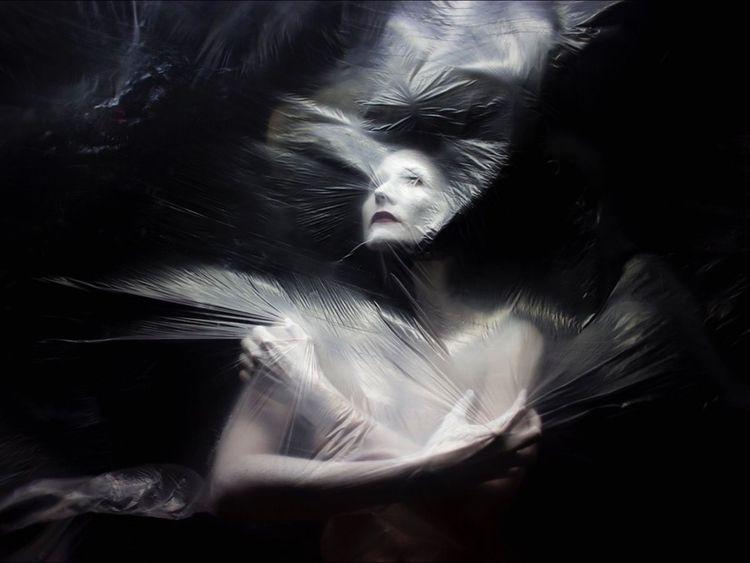 Dreams wrapped desire... Artist - roddiemac | ello