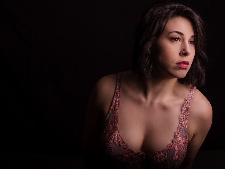 Model IG - boudoir, boudoirphotography - theredroomstudio   ello