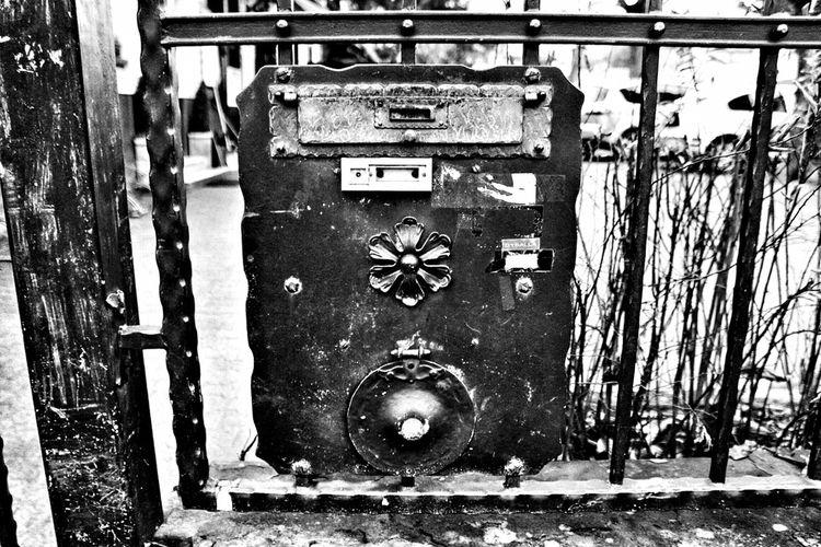 • letter box doorbell - photography - borisholtz | ello
