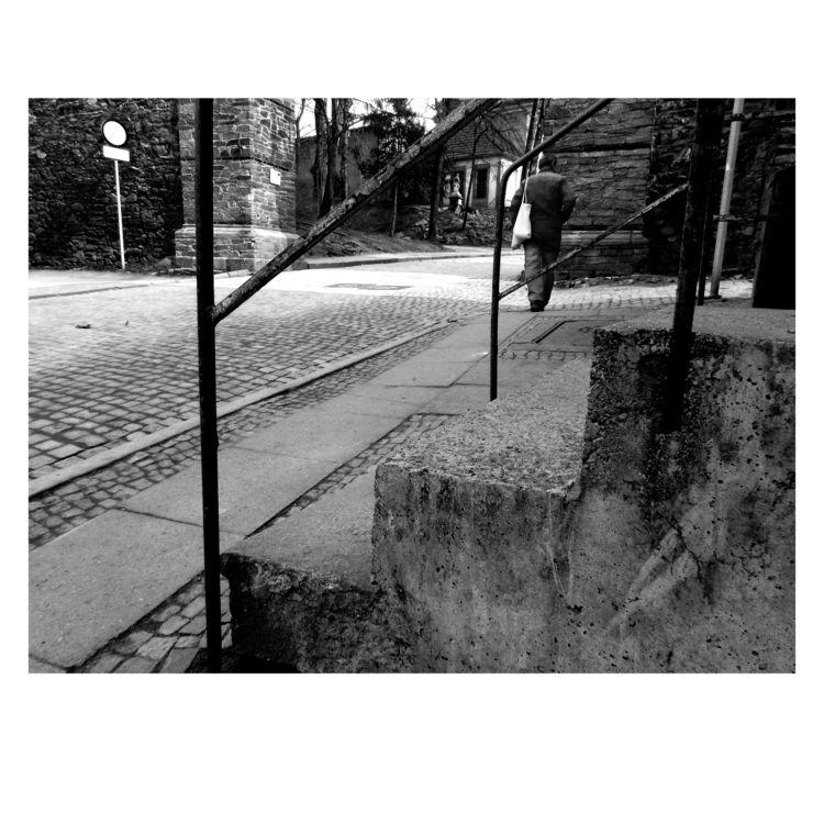 Wanderer - bnw, blackandwhitephoto - brthelemy | ello