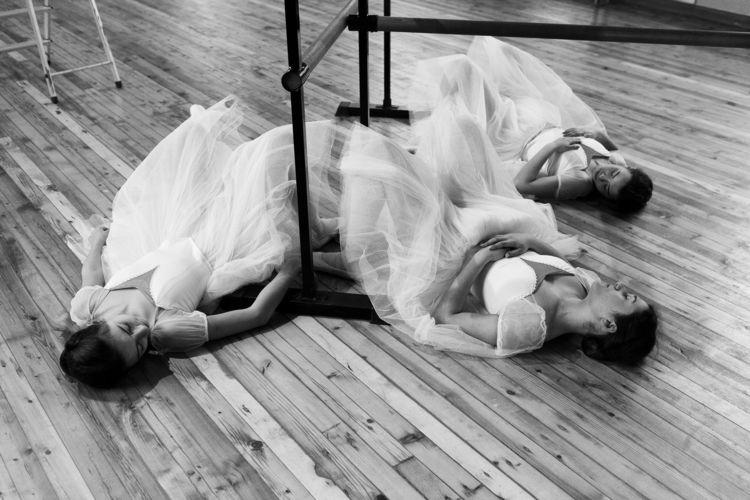 Trio :white_small_square:️ - ballet - zokinatif | ello