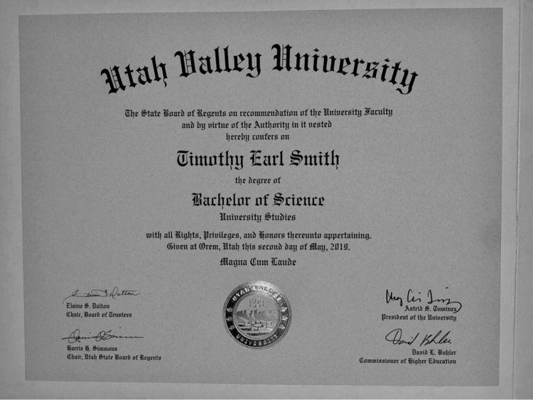 Graduated Bachelor Science UVST - stormymtn | ello