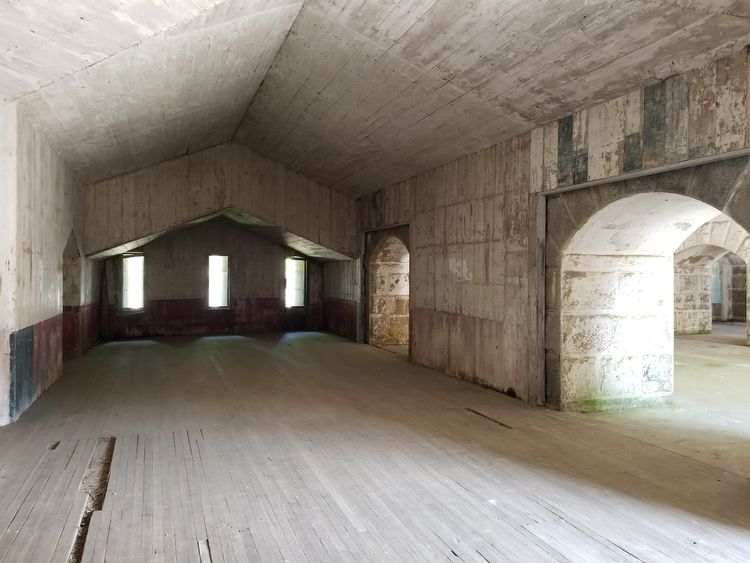 dining hall station fort Island - crowguided | ello