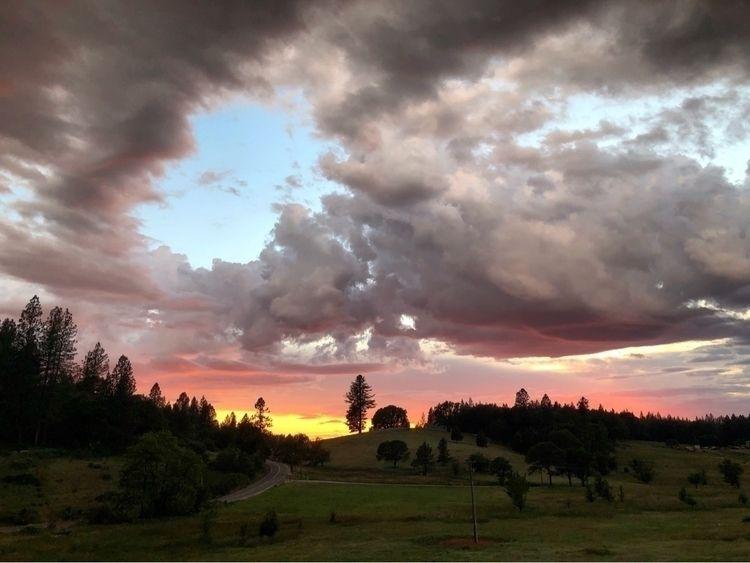 Sierra Nevada sunset June 1, 20 - dougskullz | ello