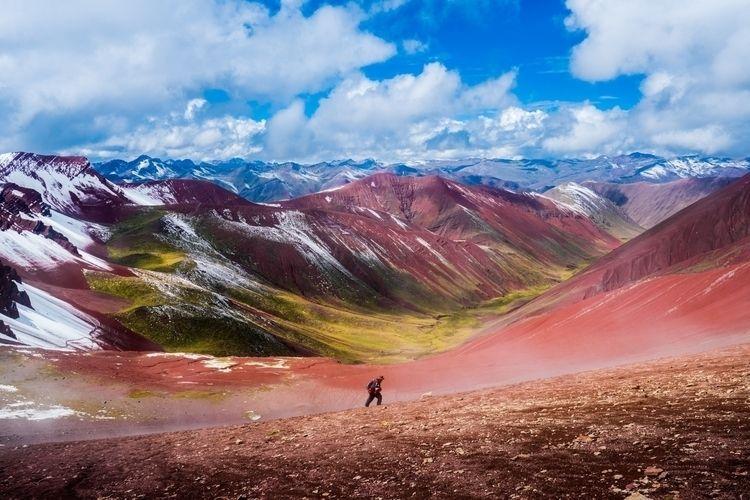 Red Valley, Peru Earlier year f - dis_satisfied | ello