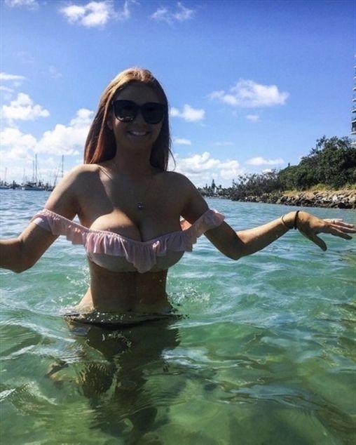 Click amp; Sext Hot Chicks Fast - julie_zunyi | ello