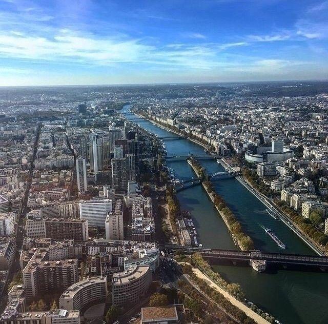View Eiffel Tower  - Paris, iPhoneSE - kalochi | ello