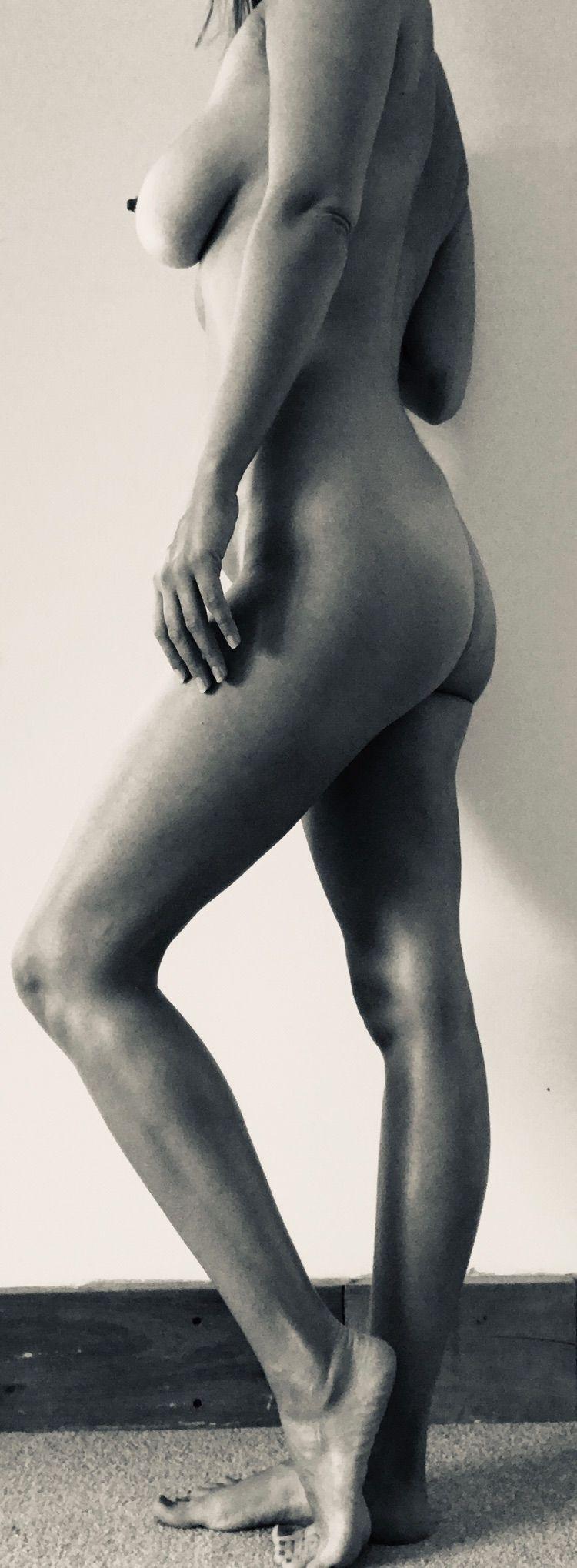 Sideways - nsfw, ass, boobs, legs - hulatallulah | ello